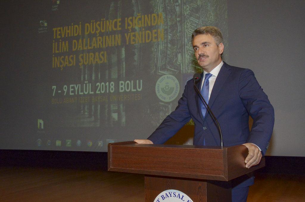"""DSC 9462 - Türkiye'de İlk Kez Düzenlenen """"Tevhidi Düşünce Işığında İlim Dallarının Yeniden İnşası Şurası"""" BAİBÜ'de Başladı"""