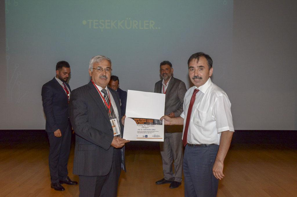 """DSC 9901581 - Türkiye'de İlk Kez Düzenlenen """"Tevhidi Düşünce Işığında İlim Dallarının Yeniden İnşası Şurası"""" BAİBÜ'de Başladı"""