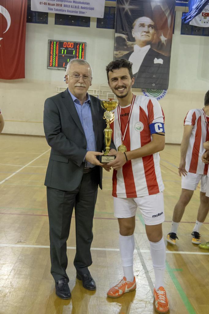 DSC00419 - Üniversite İçi Salon Futbol Turnuvası'nda Şampiyon BESYO...